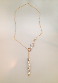 A delicate modern lariat