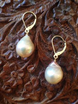 earrings_island baroque pearl_detail